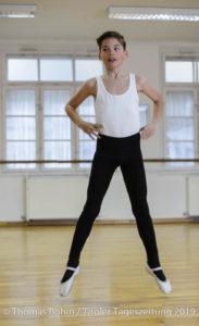 Gabriel 10 Jahre - Kinder lernen in Ballettschule Anne's Studio in Innsbruck Pradl Ballett / Tanzen Sport Freizeit Kinder  / Foto: Thomas Boehm 2019 04 11  ( böhm )